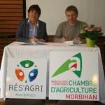 Nicole Le Peih, présidente de Rés'Agri 56 et Laurent Kerlir, présidente de la Chambre d'agriculture du Morbihan.